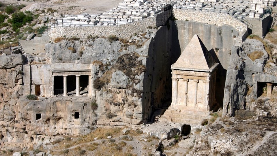 Monumental Tombs in the Time of Jesus